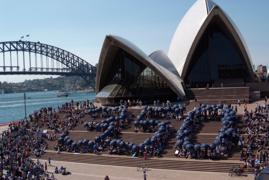 350 Human Sign at the Sydney Opera House
